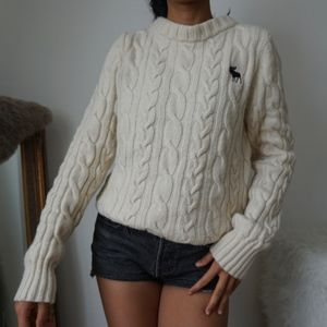 Abercrombie & Fitch Cable Knit Wool Sweater M